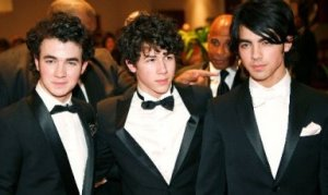 Kev, Nick, and Joe at the white house dinner